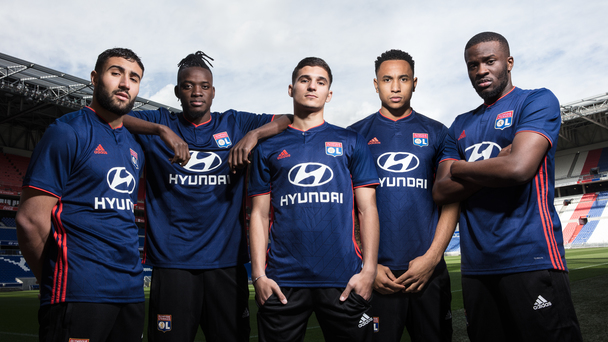 2c88bf1aa42 Both jerseys went on sale today at all Olympique Lyonnais official shops,  as well as our online store (http://boutique.olweb.fr). Beginning Monday,  May 14, ...